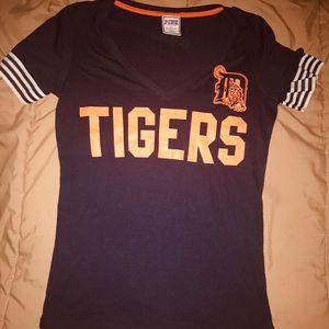 VS Pink Detroit Tigers Tee Sz Lg